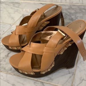 Tan leather BCBG wedges